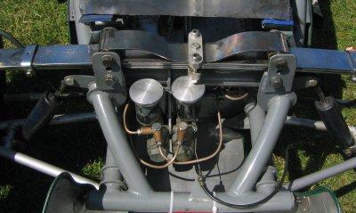 Cooper Mk 8 roll spring detail.jpg (25722 bytes)