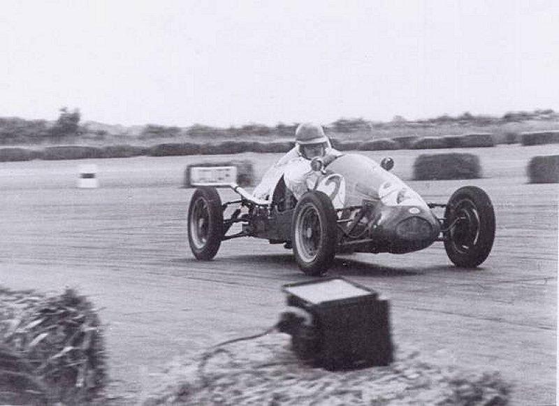 Bardon Turner Silversone 1953.jpg (33822 bytes)